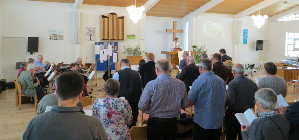 Mitgliederversammlung in der Kirche Ruhbank.